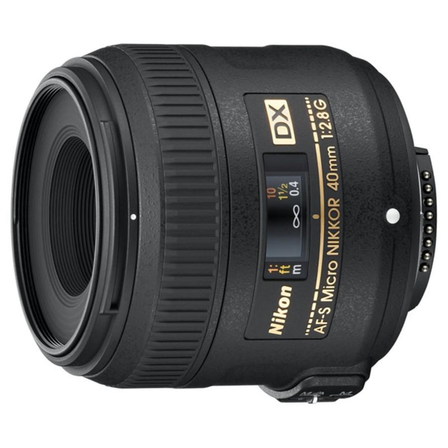 Объектив Nikon 40mm f/2.8G AF-S DX Micro Nikkor