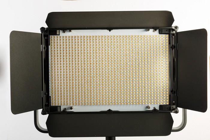 Постоянный свет FST LP-1024 Светодиодная панель