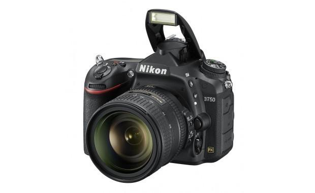 Nikon D750 Kit AF-S 24-85 mm F/3.5-4.5 G ED VR