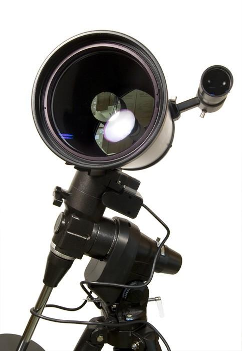 �������� � �������������� Levenhuk SkyMatic PRO 150 EQ MAK