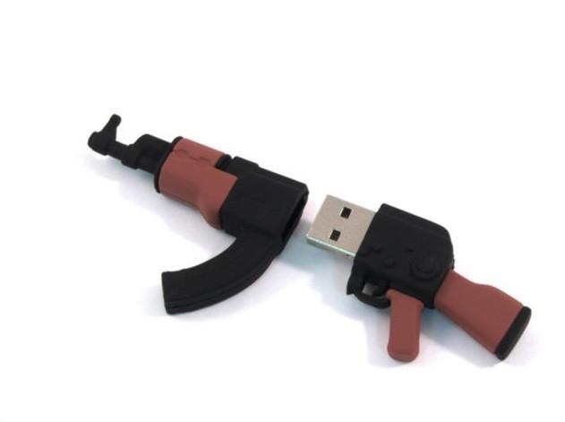 USB-накопитель FM8WR 3.28 8ГБ АК-47
