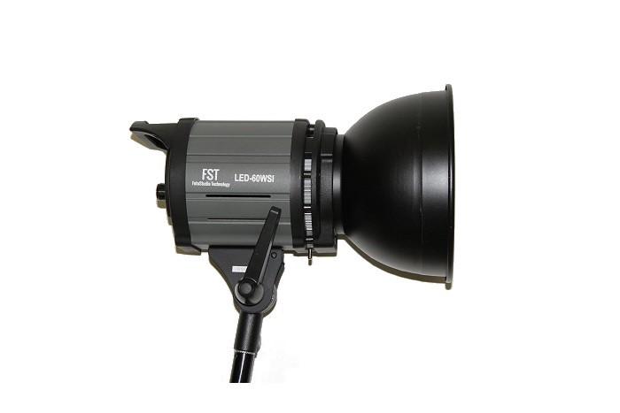 Постоянный свет FST EF-50 (LED) Sun Light 5500K Светодиодный осветитель
