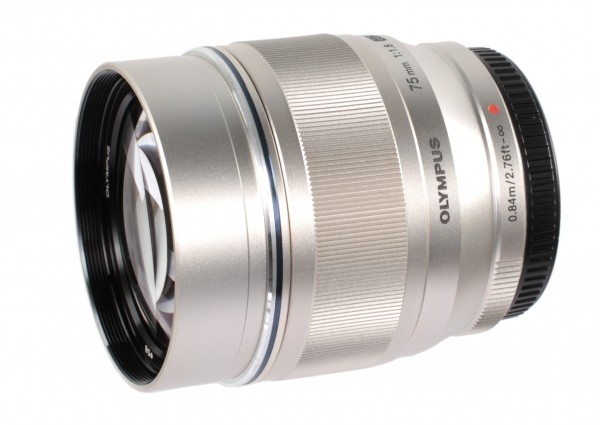 Объектив Olympus ED 75mm f/1.8 Silver